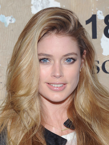 look-now-side-flip-doutzen-kroes
